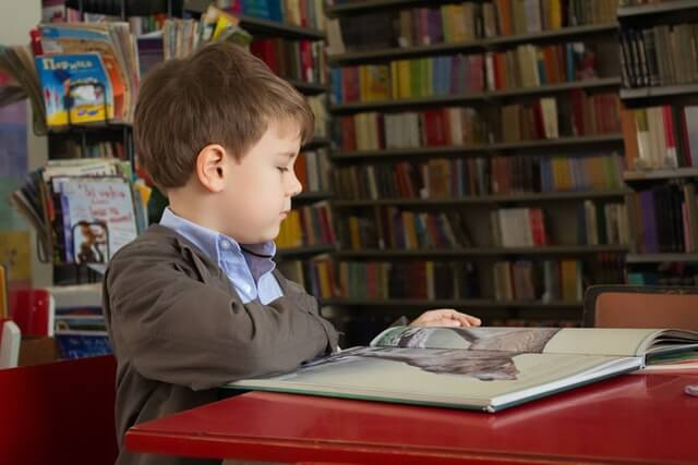 Image of a student in the school library